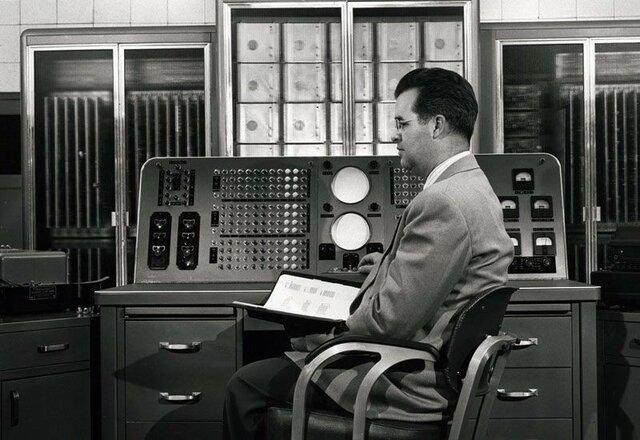 La evolución de la investigación de operaciones ocasionado por la revolución de las computadoras