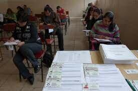 Aprueban evaluación universal de maestros en tres fases