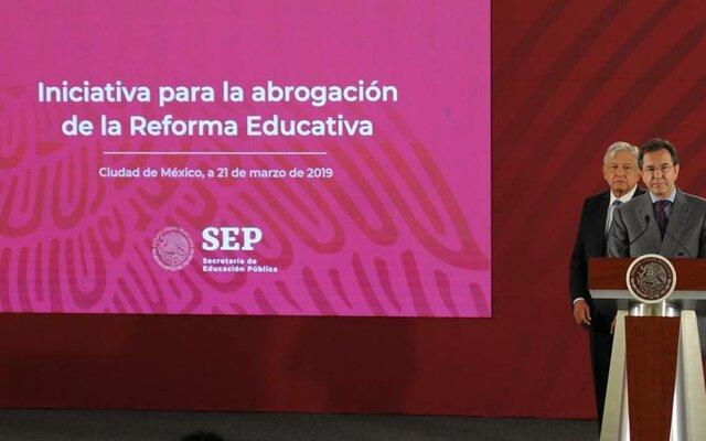 """Desaparición del Instituto Nacional para la Evaluación Educativa (INEE) y de las evaluaciones """"punitivas"""" / Se crea un Sistema para la Carrera de los Maestros"""