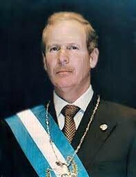 El gobierno de Álvaro Arzú se inicia el periodo que ofrece condiciones favorables para enfrentar los retos postergados.