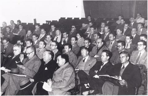 conferencia El humanismo democrático y la educación