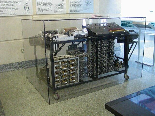 Primera computadora eléctrica de Atanasoff y Berry (1941)