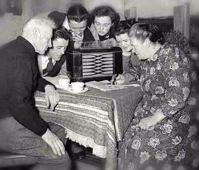 Aparatos receptores de radio.