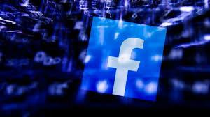 Se crea la red social Facebook