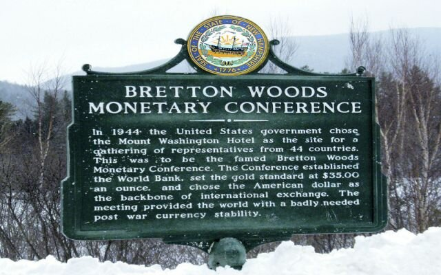 La asimetría del sistema internacional de Bretton Woods.