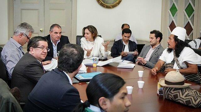 Mesa Única entre el gobierno y cumbre agraria