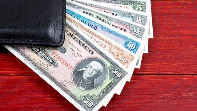 La Secretaría de Hacienda y crédito Público anunció el cambio de paridad del peso y la política de flotación de la moneda.