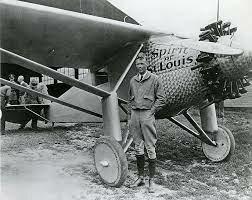 Lindbergh crosses Atlantic