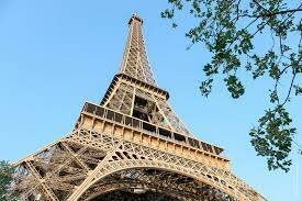 the eifell tower is made
