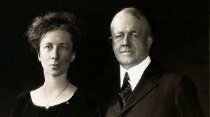 Frank Gilbreth (1868-1924) y Lilian Gilbreth (1878-1972)