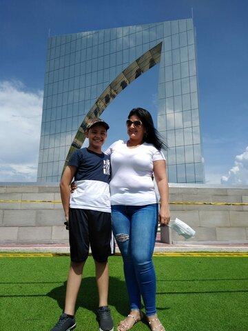 Visit to the Del Junior Monument.