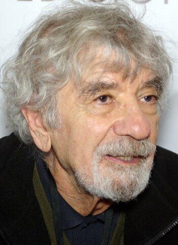Humberto Augusto Gastón Maturana Romesín (Santiago, 14 de septiembre de 1928-Ibídem, 6 de mayo de 2021)