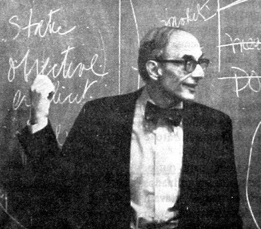 Chris Argyris hace extensas contribuciones a la teoría de investigación.