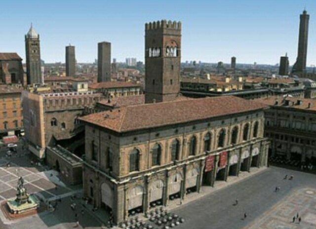 siglo xii. Surgen las universidades de París y Bolonia