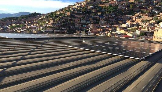 Instalación de paneles solares fotovoltaicos (Medellín)