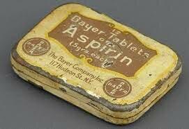 """F. Hofmann e l'azienda farmaceutica Bayer mettono in commercio piccole dosi di """"Aspirina"""""""
