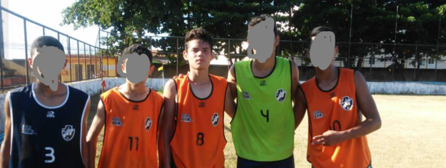 Comecei a jogar futebol