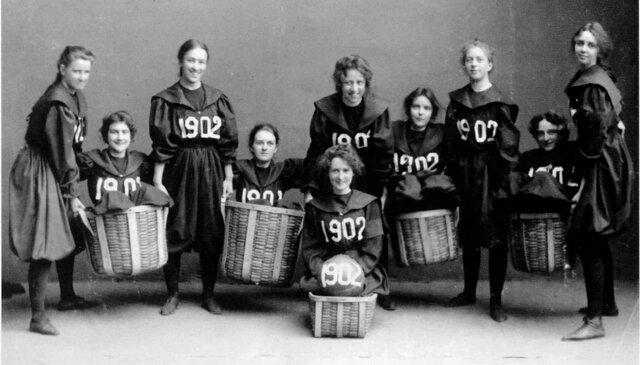 Primer partido femenino de Baloncesto