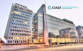 Creación del Centro Internacional de Arreglo de Diferencias Relativas a Inversiones.
