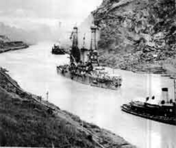 Construction of the Panama Canal completed