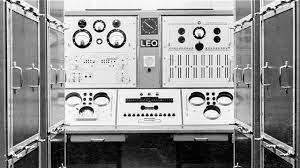 Primer ordenador (1951)