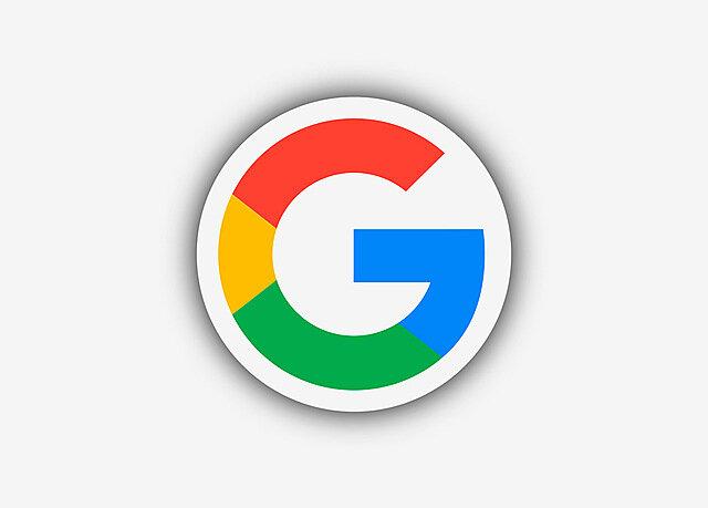 Aparece Google, Microsoft abre MSN y Yahoo! sacó Yahoo! búsqueda web.