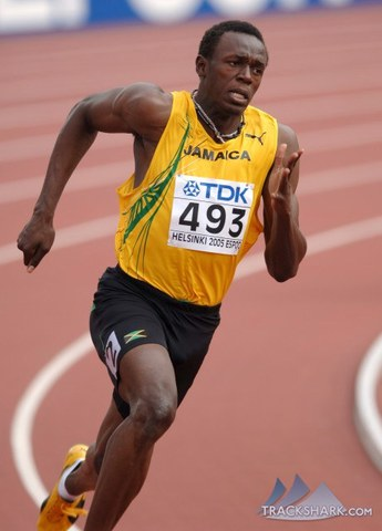 Usain Bolt breaks the world record