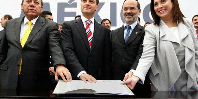 Se firma el Pacto por México