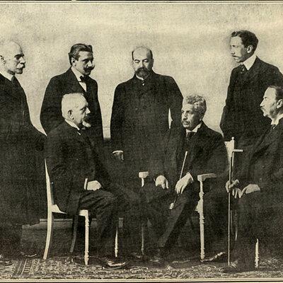 GOBIERNOS CONSERVADORES (1880 - 1899) timeline