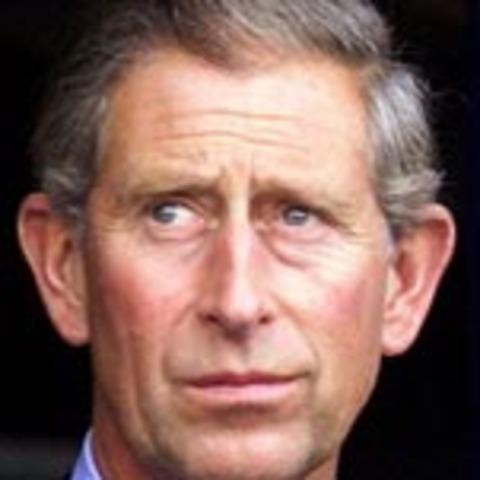 Nace Carlos de Inglaterra