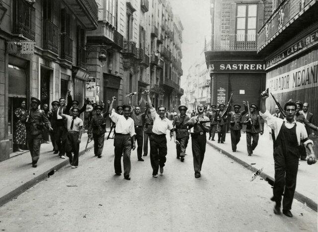 Milicians al carrer Ample