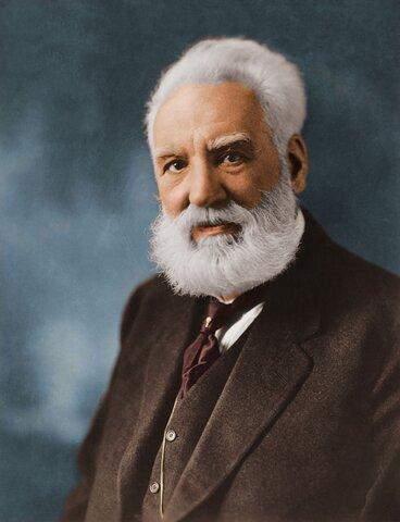 Alexander Graham Bell patento el teléfono