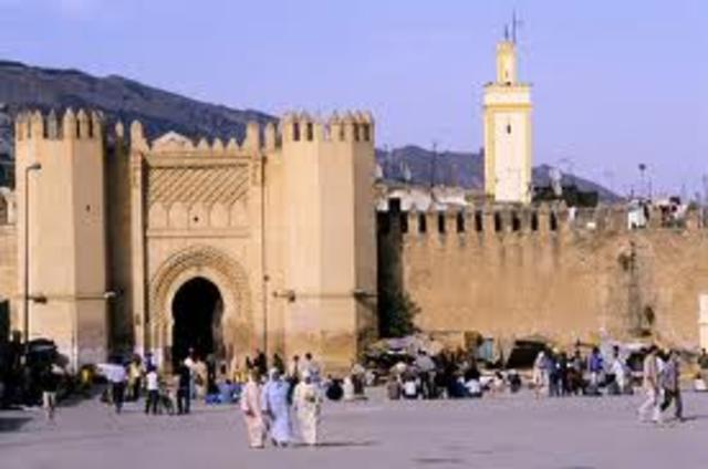 Maimonidies Arrives in Fez, Moocco