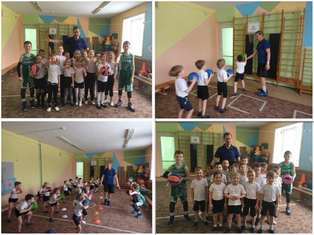 Мастер-класс по баскетболу с воспитанниками проводит наш выпускник