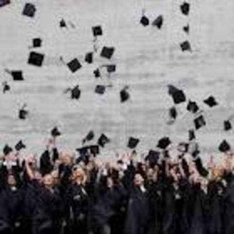 Je serai diplômé de l'université.