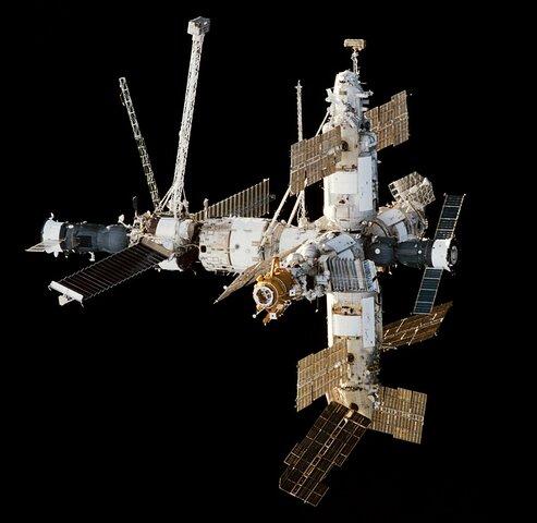 Вывод на орбиту базового модуля орбитальной станции «Мир»