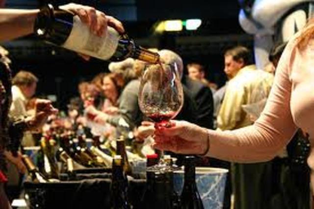 J'irais dégustation du vin avec mes amis ( I will go wine tasting with my friends)