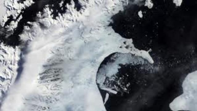Antarctic Larsen Ice Shelf begins disintegrating