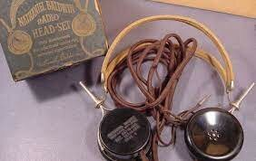 Headphones (1910)