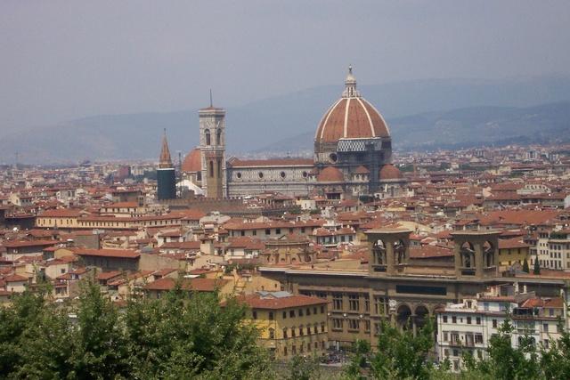 La familia es trasllada a Florencia.