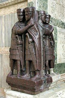 Dioclecià implanta la Tetrarquia