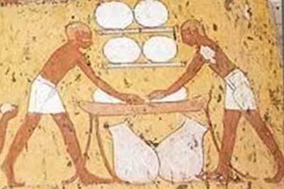 Se establecen otros procesos de fermentación en el mundo antiguo.