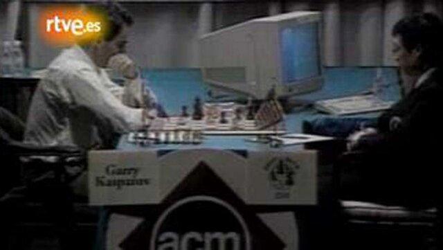 La máquina vence al hombre, jugando al ajedrez