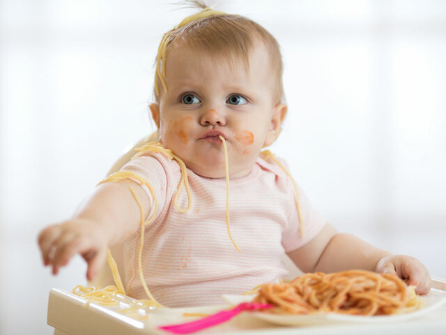 Començo a menjar sola