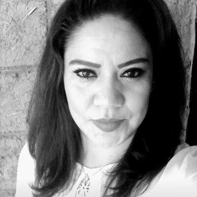 Biografía como Estudiante Roberta Flores Paqui timeline