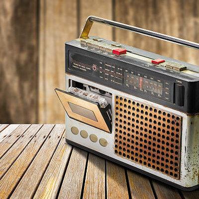 HISTORIA Y EVOLUCION DE LA RADIO timeline