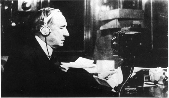 Marconi realiza la primera transmisión