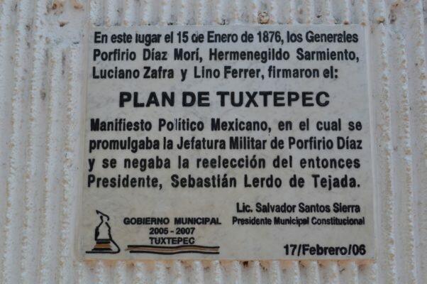 Porfirio Díaz se levanta en armas proclamando el Plan de Tuxtepec