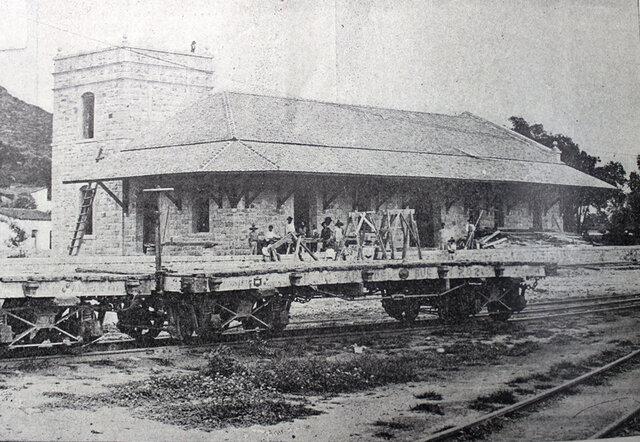 Díaz inaugura el tramo de vía férrea
