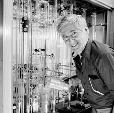 Charles Keeling begins systematic measurements of atmospheric CO2